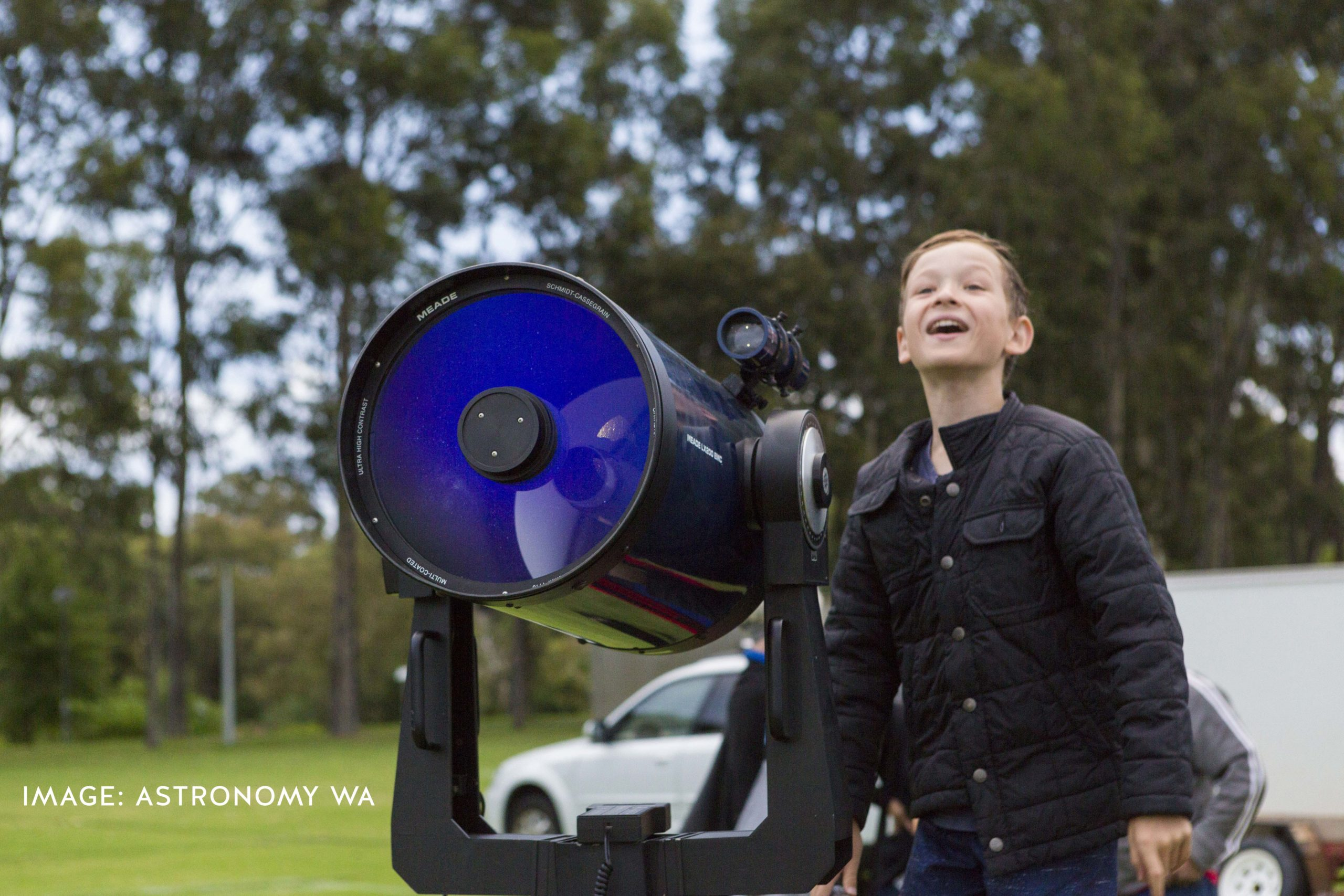 Astronomy for kids. 5 ways to get your child into astronomy